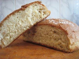 домашний безопарный хлеб в разрезе